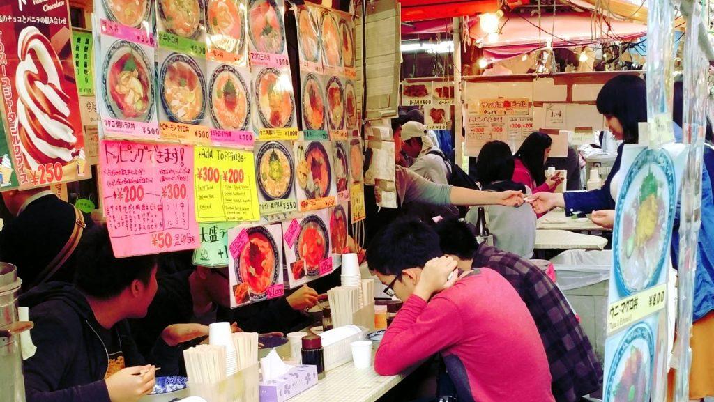 Ameyoko tax free street food japonia