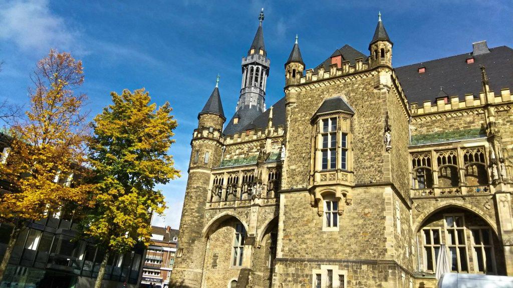 Aachen Akwizgran atrakcje zwiedzanie zwiedzać