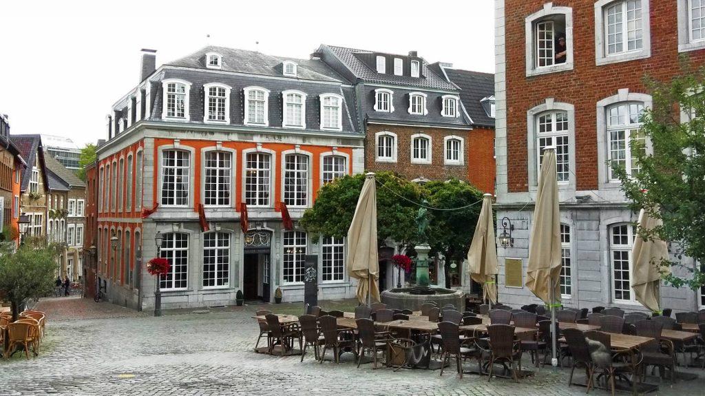Aachen Akwizgran atrakcje zwiedzanie zwiedzać couven museum
