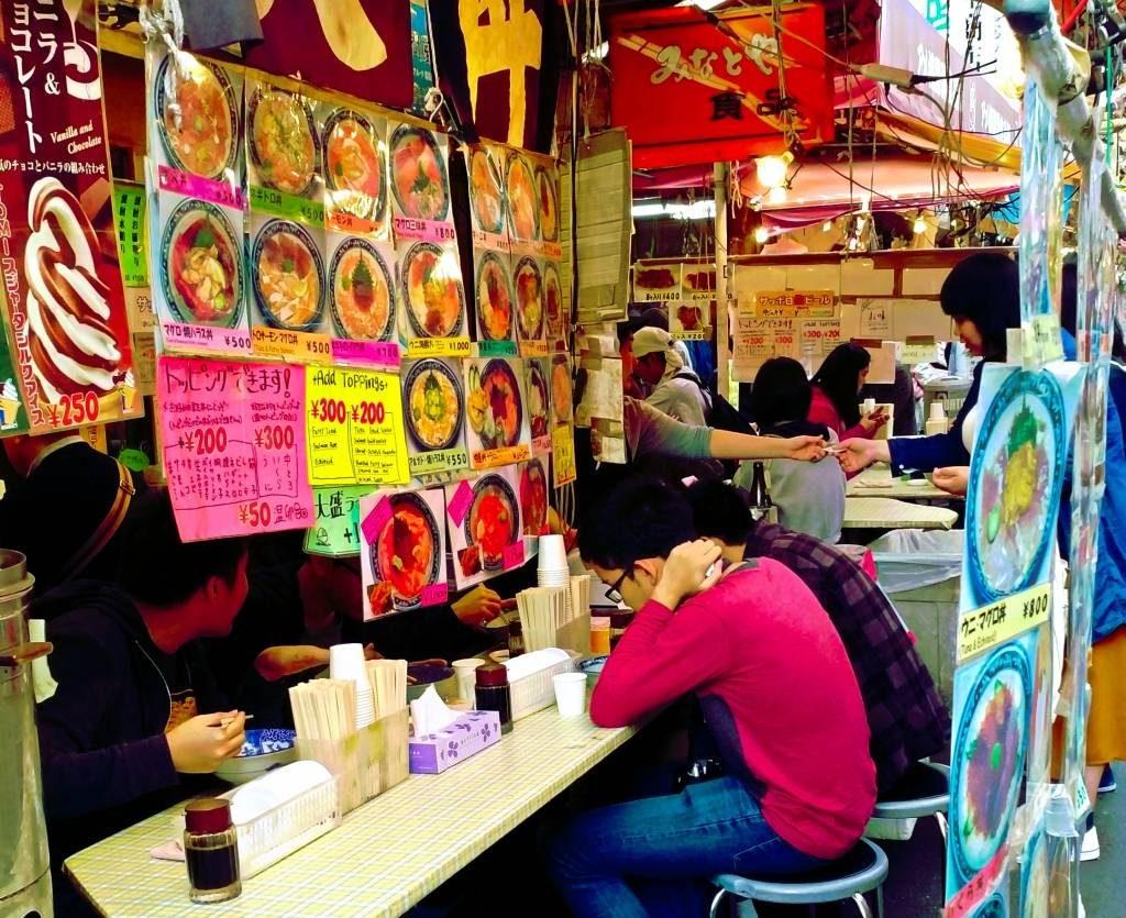atrkacje tokio ameyoko ueno street food japonia