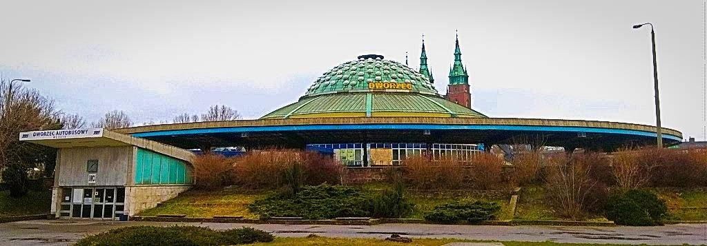 Kielce atrakcje zwiedzanie dworzec autobusowy kosmiczny kosmiczna architektura