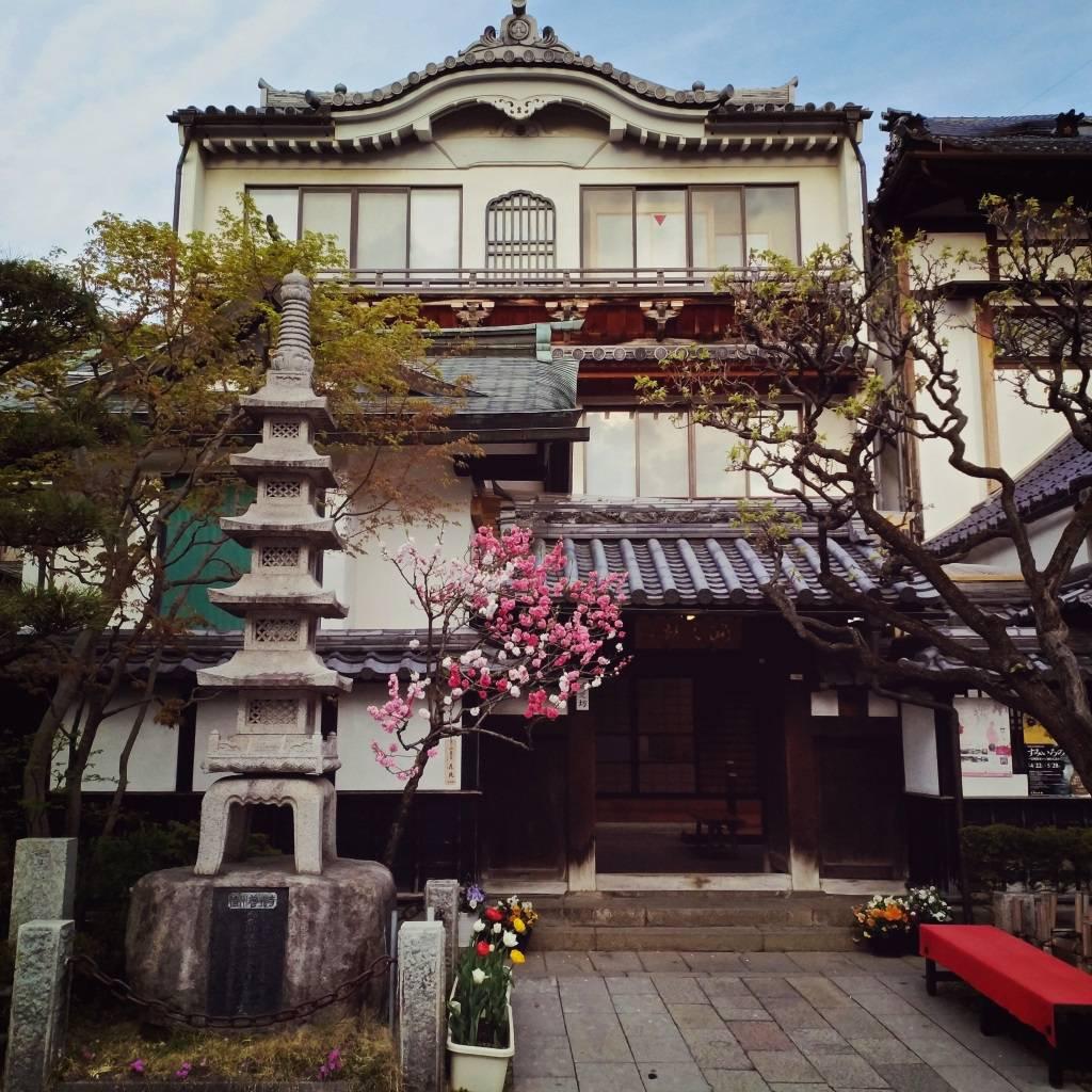 Świątynia buddyjska Zenko-ji to zdecydowanie największa atrakcja Nagano