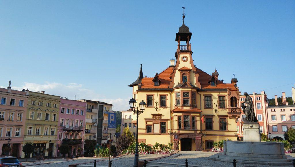 Nowa Ruda, Dolny Śląsk, Kotlina Kłodzka, Góry Sowie, atrakcje, weekend, zwiedzanie, ekspres panoramiczny. Weekend na Dolnym Śląsku. Wiadukty kolejowe. Ciekawe miejsca na Dolnym Śląsku.