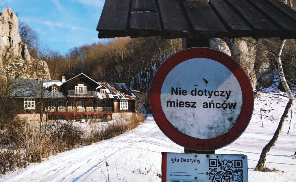 Ojcowski Park Narodowy zimą. Szlaki w ojcowie. Jednodniowe wycieczki w okolice Krakowa