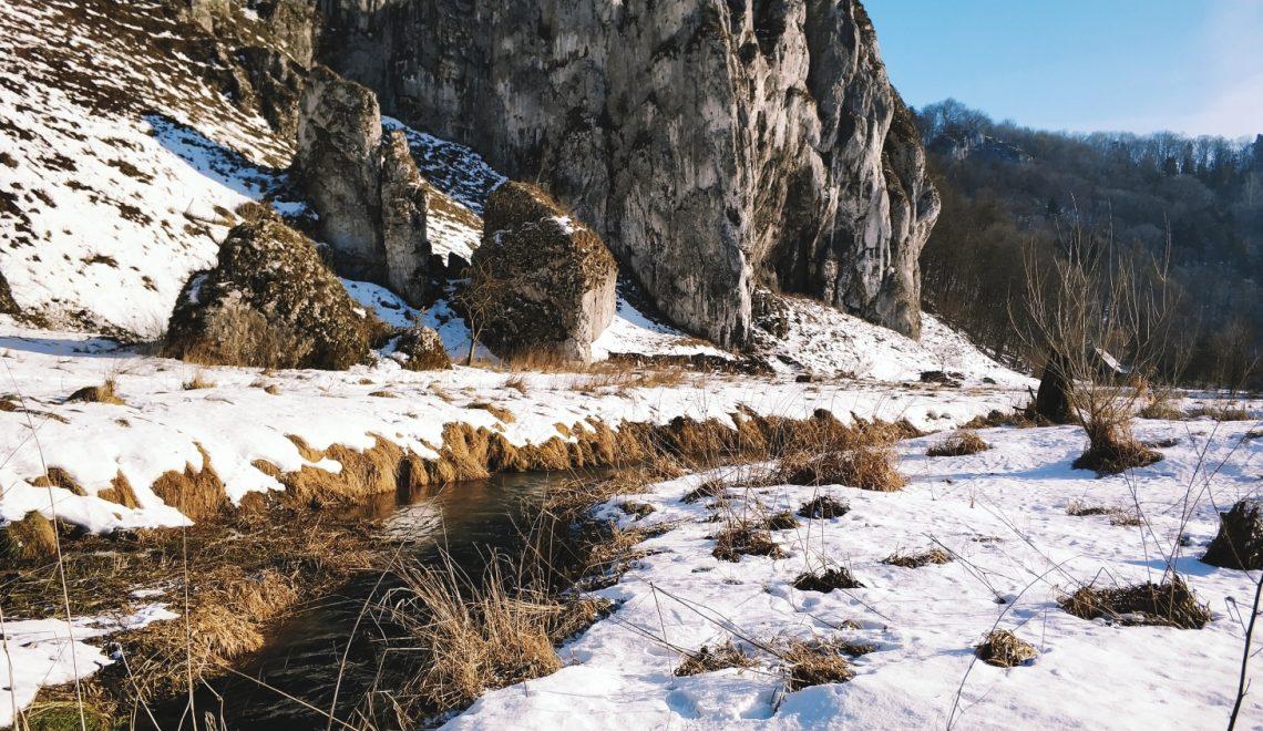 Ojcowski Park Narodowy zimą piękny jakby bardziej | Mikrowyprawa autobusem miejskim