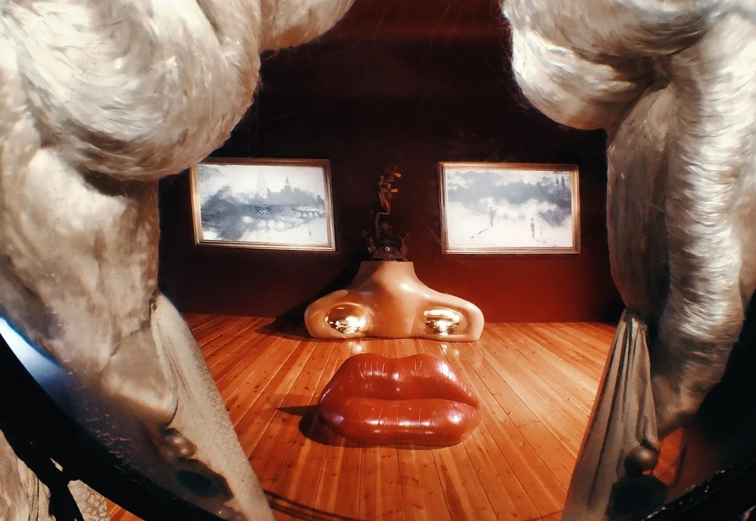 Muzeum Salcadora Dalego w Figueres. Mea West