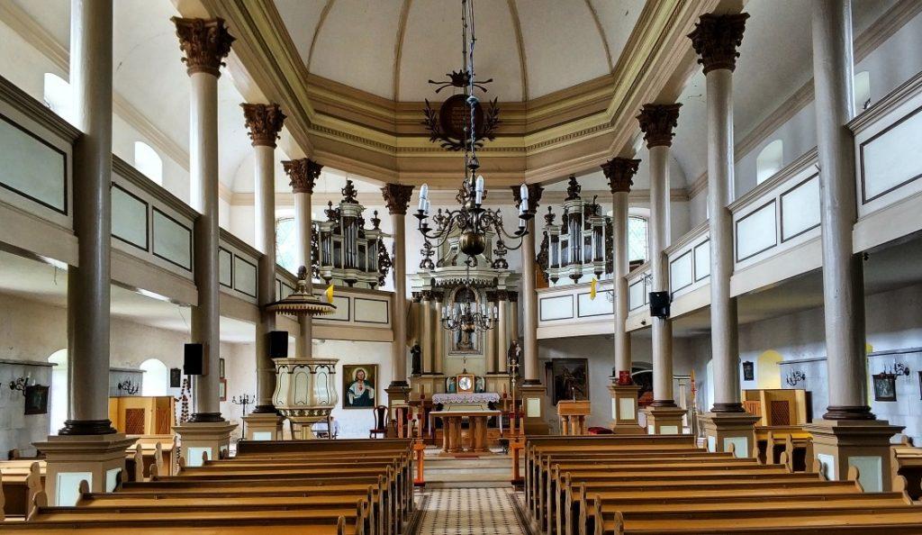 Pojezierze Iławskie. Kościół w Kamieńcu Suskim