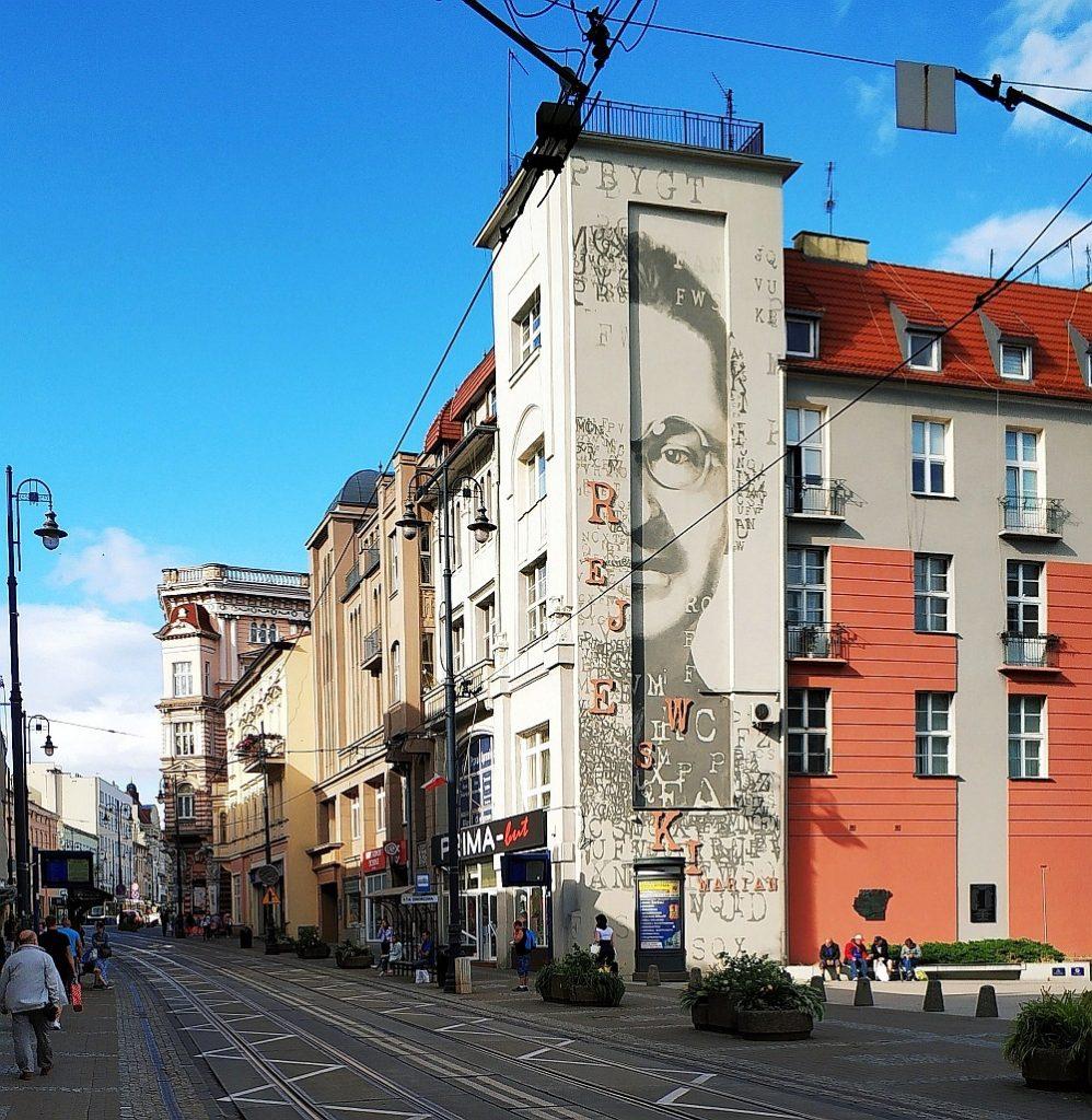 Street art w Bydgoszczy. Mural Mariana Rejewskiego