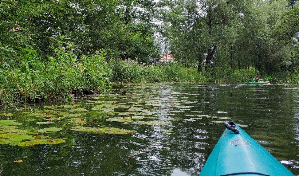 Miłomłyn. Kajaki na kanale Elbląskim. Kraina Kanału Elbląskiego