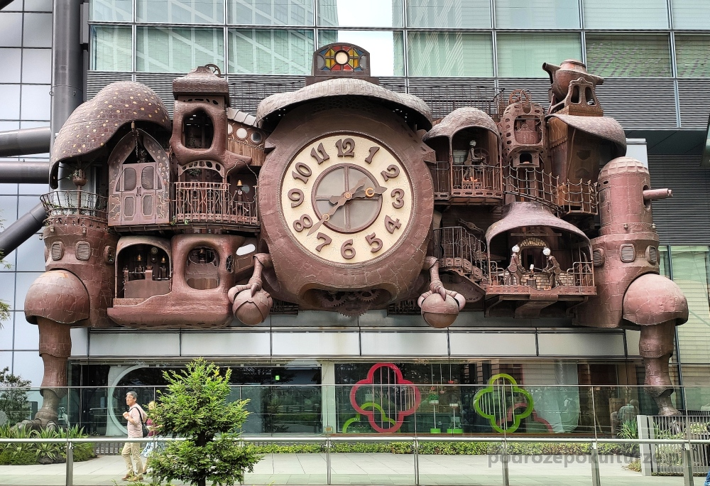 atrakcje w Tokio - Ghibli Clock. Zegar Hayao Miyazaki