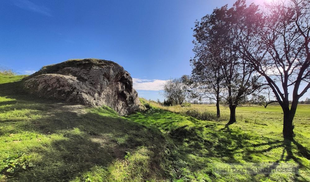 Atrakcje w Wiślicy: średniowieczne grodzisko