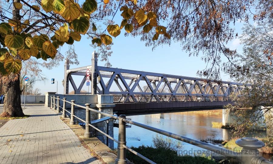 Most piastowski w Brzegu
