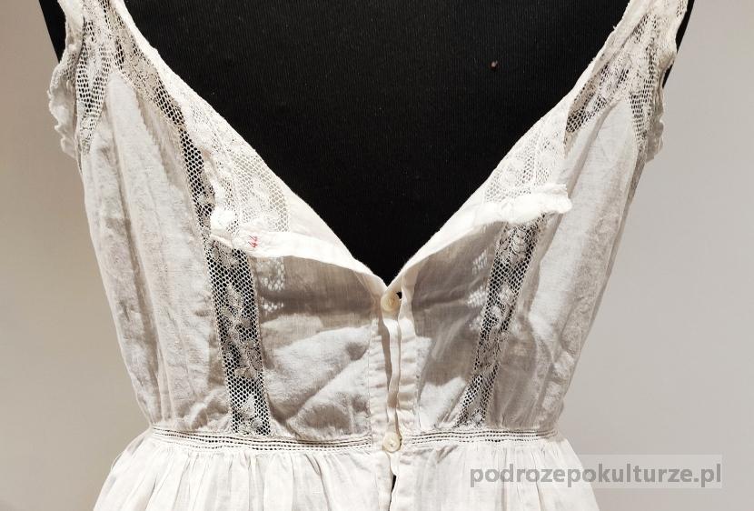 Muzeum Historii Ubioru w Poznaniu. Dziewiętnastowieczna damska bielizna