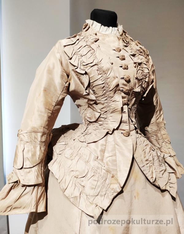 Moda damska w dziewiętnastym wieku. Muzeum Mody