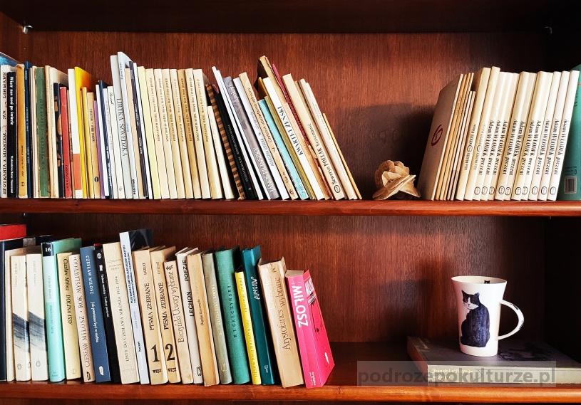 książki w mieszkaniu Wisławy Szymborskiej