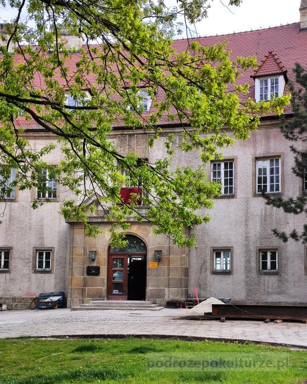 Zamek w Lesie Wolskim