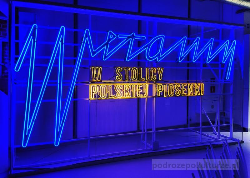 Witamy w stolicy polskiej piosenki neon