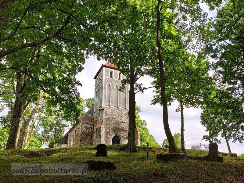 Glaznoty kościół ewangelicki gotycki