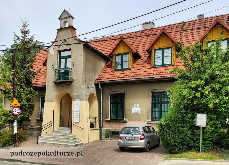 trasa turystyczno-kulturowa Bronowice Małe – Mydlniki. Dawna szkoła w Bronowicach