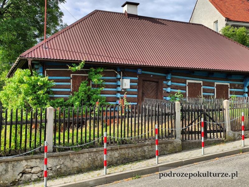 Czernichów architektura wiejska małopolski. Drewniana chałupa