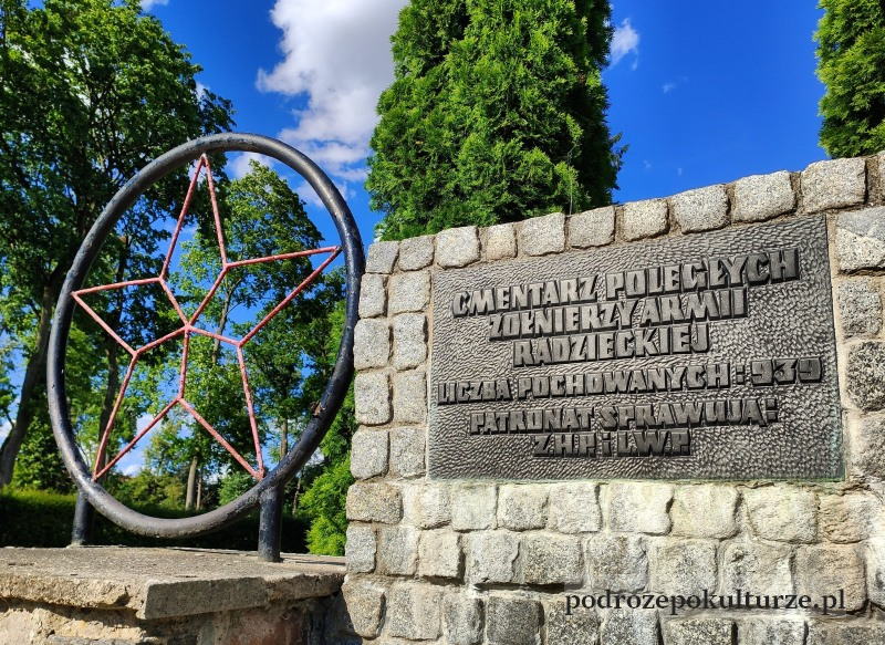 cmentarz radziecki w Morągu
