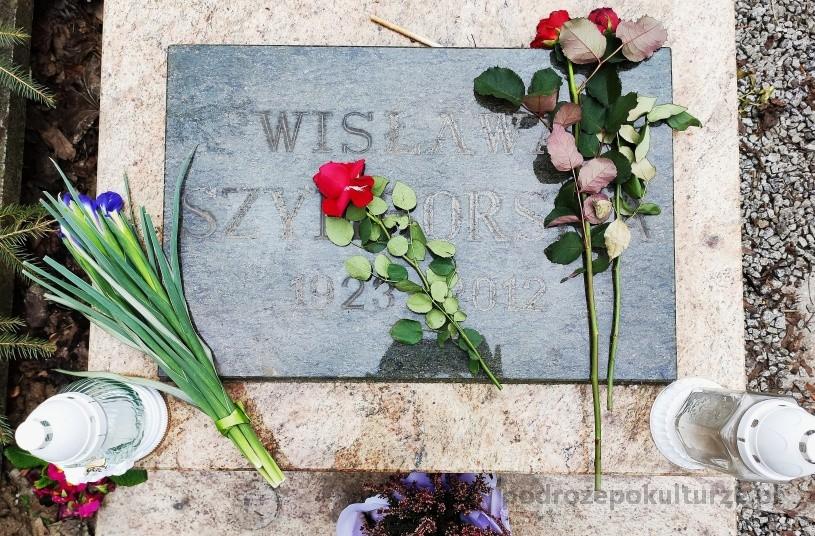 Kraków Wisławy Szymborskiej grób na cmentarzu rakowickim