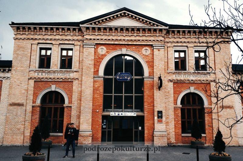 Dworzec kolejowy Bielsko-Biała Główna z zewnątrz