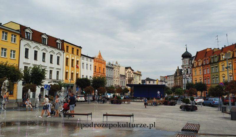 Brodnica Duży Rynek. Trójkątny rynek w Brodnicy