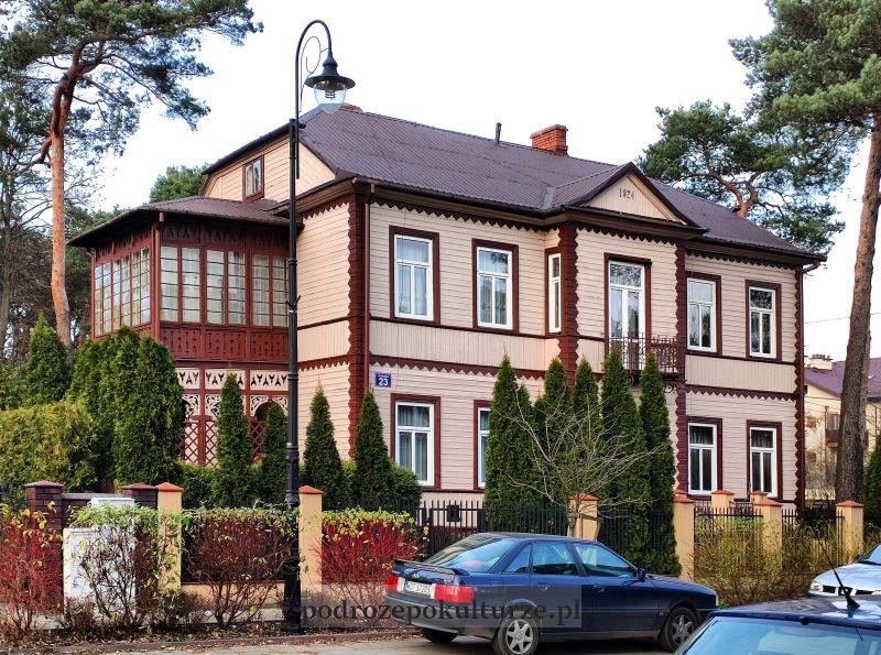 świdermajer w Otwocku. Pensjonat Pawła Martyszewskiego na Kościelnej. Hotel Polski