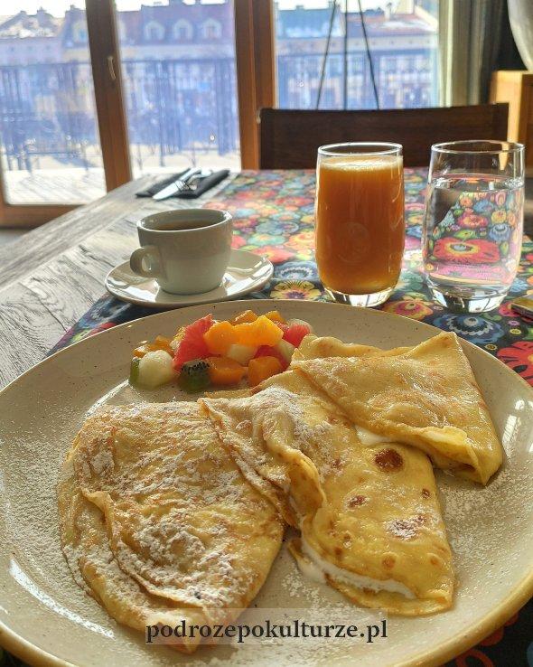 śniadanie w hotelu Bristol Tradition and Luxury w Rzeszowie