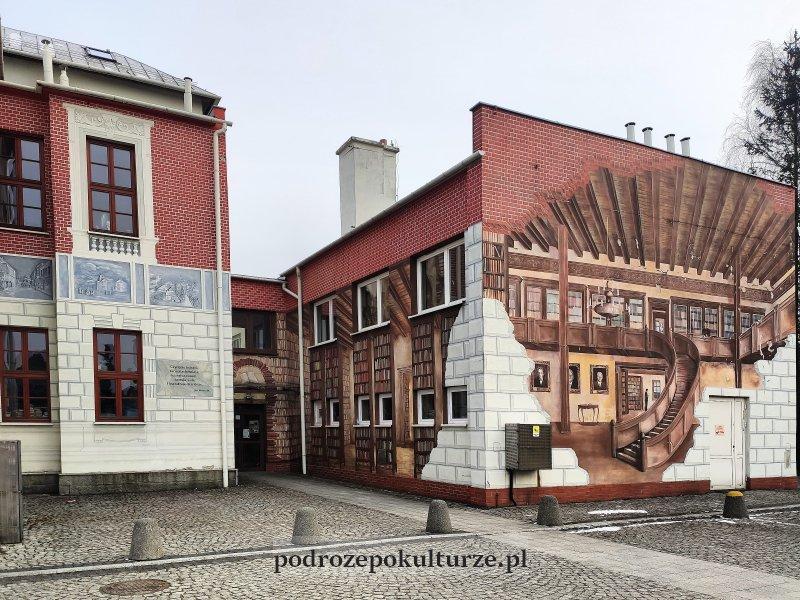 Ustroń mural na bibliotece miejskiej