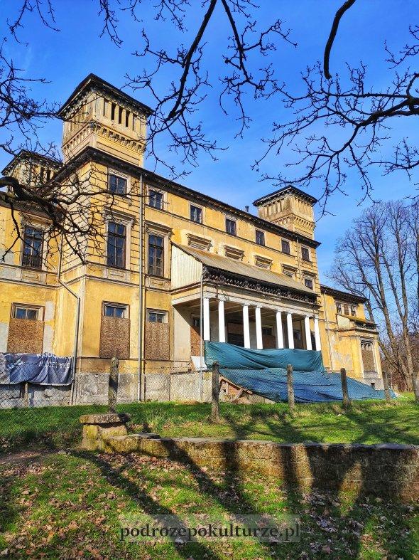 Pałac Potockich w Krzeszowicach