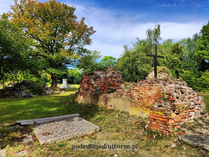 17 zaskakujących i nieznanych miejsc w Polsce - stare miasto w Kostrzynie nad Odrą ruiny kościoła